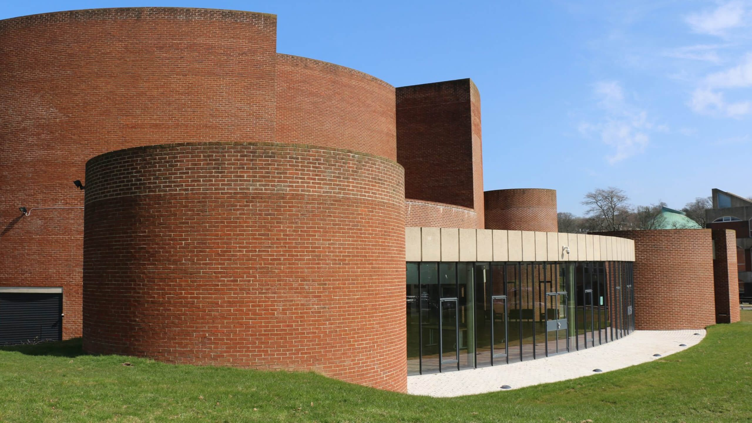 Crittall Iconic Art Centre's Winning Performance With Crittall Windows Image 01
